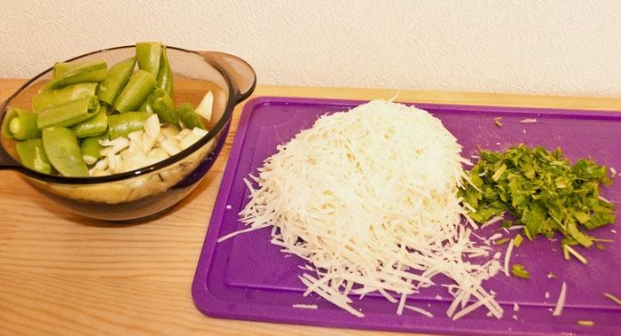 горох, перец, сыр, петрушка
